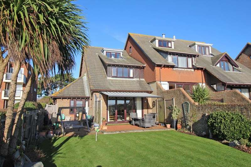 3 Bedrooms End Of Terrace House for sale in Kensington Park, Milford On Sea, Lymington