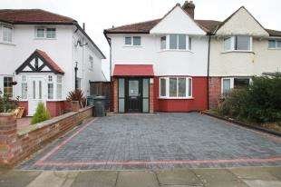 3 Bedrooms Semi Detached House for sale in Blacklands Road, Catford, London, .