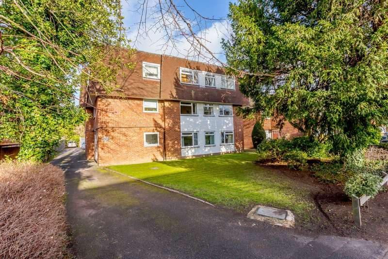 1 Bedroom Flat for sale in The Groves