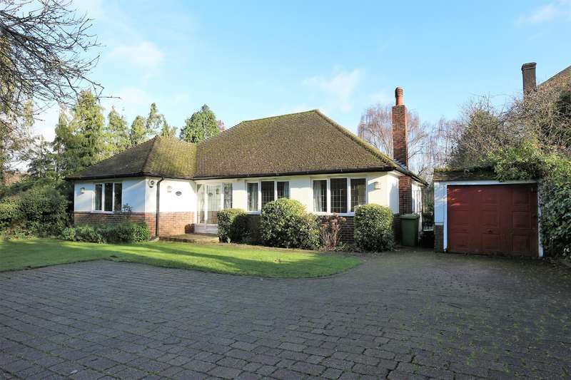 3 Bedrooms Detached Bungalow for rent in Oakwood Close, Chislehurst, BR7 5DD