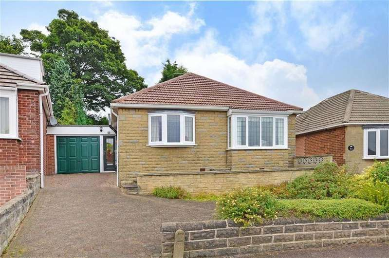 2 Bedrooms Bungalow for sale in 29, Holmesdale Close, Dronfield, Derbyshire, S18