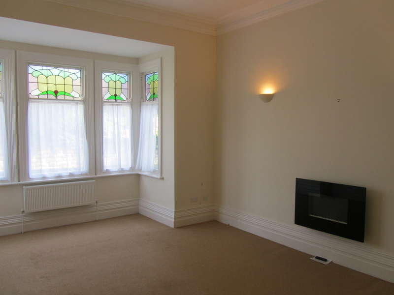 2 Bedrooms Flat for rent in Westwood, Scarborough