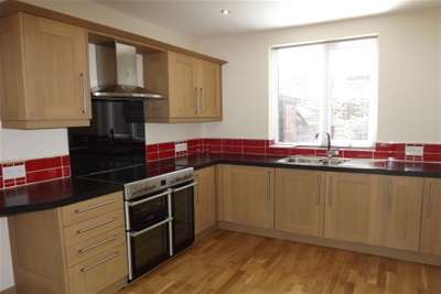 2 Bedrooms Semi Detached House for rent in Hyperion Avenue, South Shields