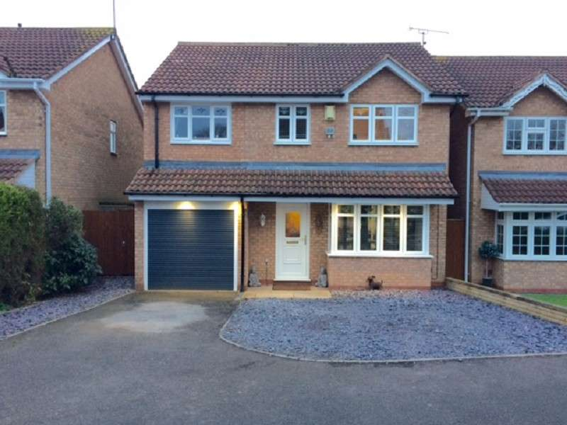 4 Bedrooms Detached House for sale in Newquay Close, Nuneaton, Warwickshire. CV11 6FH