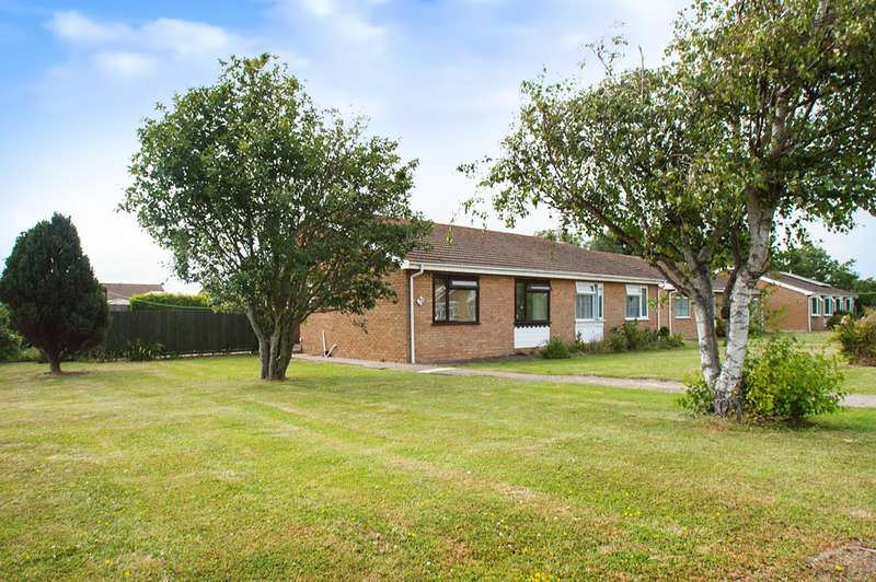 2 Bedrooms Bungalow for sale in Tolkien Road, Eastbourne