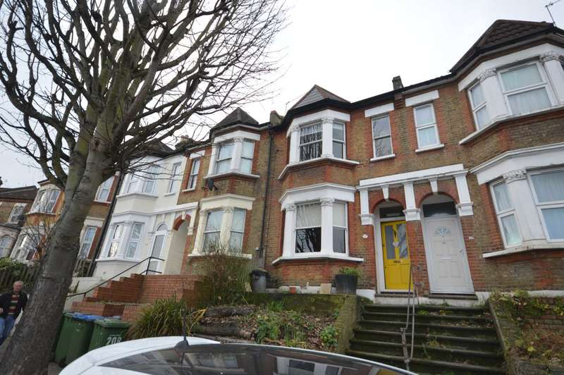 3 Bedrooms Terraced House for sale in Wickham Lane,