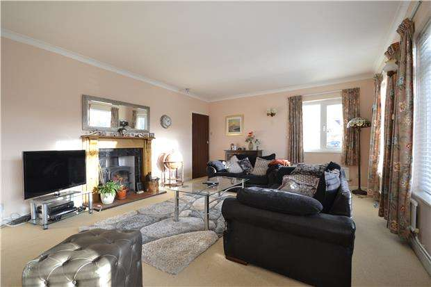 3 Bedrooms Detached Bungalow for rent in Teddington, Tewkesbury, GL20 8JA