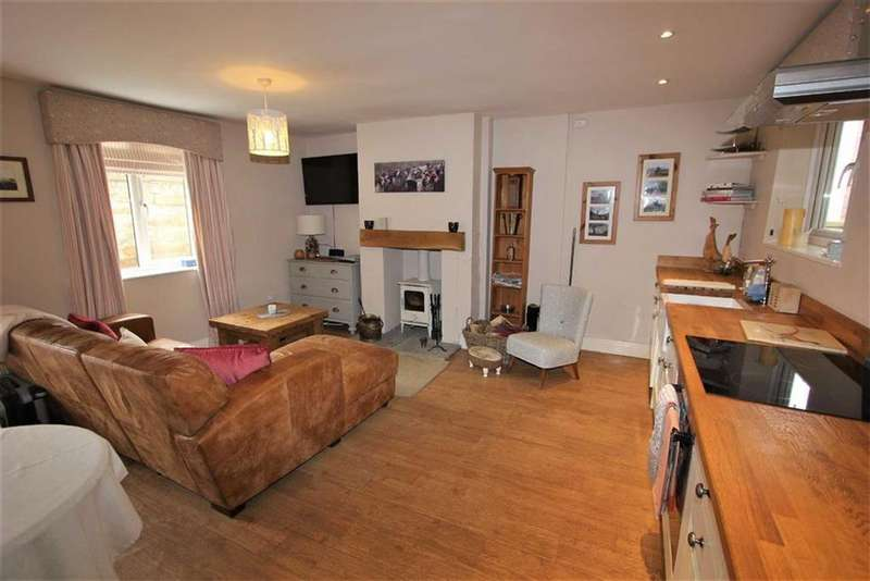 2 Bedrooms Terraced House for sale in High Street, Swainby Northallerton