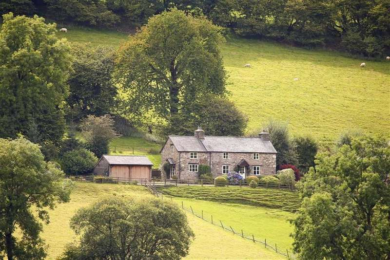 3 Bedrooms Detached House for sale in Llangynog, Llangynog Oswestry, SY10