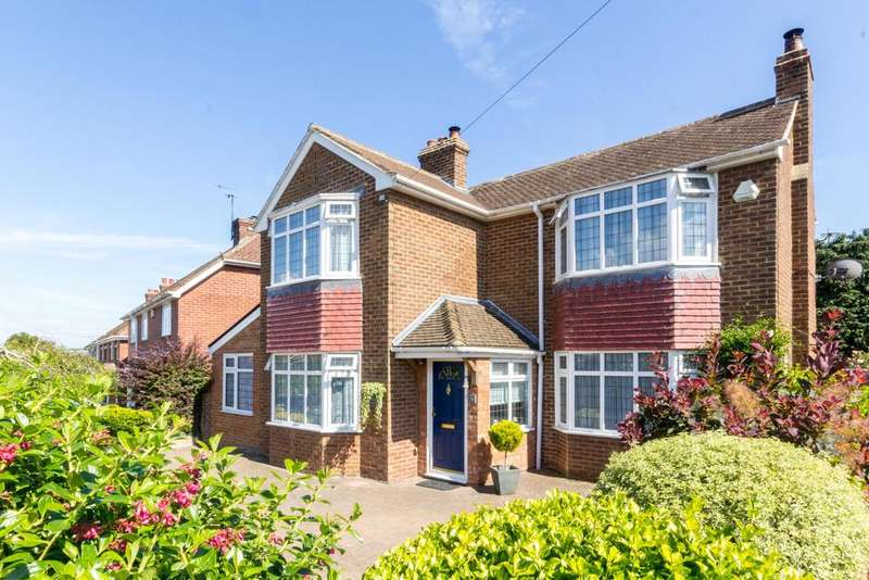 4 Bedrooms Detached House for sale in Union Road, Bridge CT4