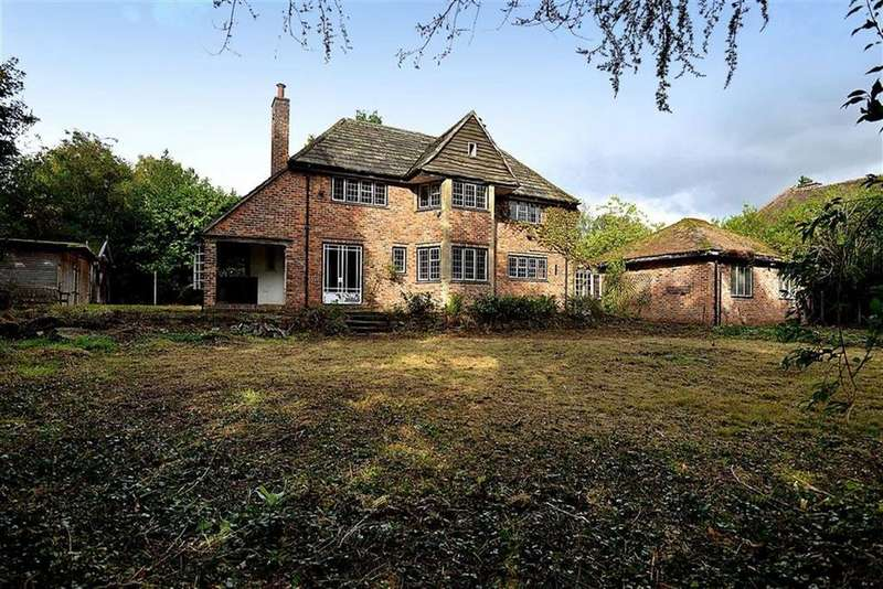 5 Bedrooms Detached House for sale in Bollin Hill, Wilmslow