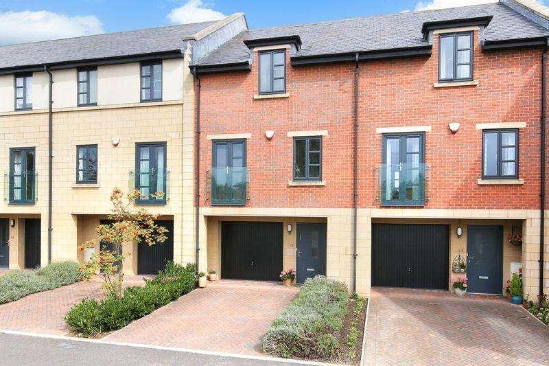 4 Bedrooms House for sale in Waterside Mews, Trowbridge