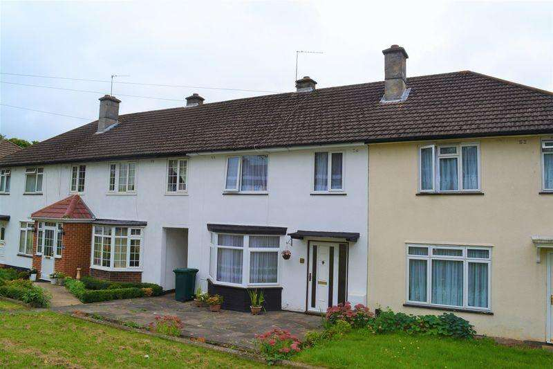 3 Bedrooms House for sale in Harcourt Avenue, Edgware