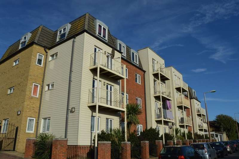 2 Bedrooms Flat for sale in Dane Road, Margate, CT9
