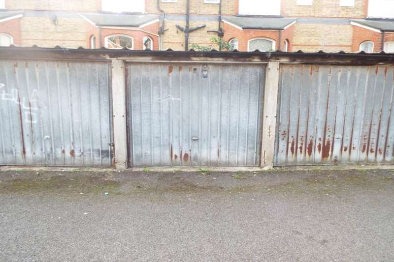 Garages Garage / Parking for rent in Ethelbert Square, Westgate-On-Sea, CT8