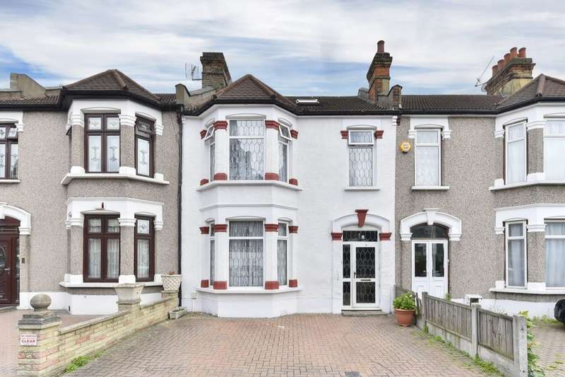 5 Bedrooms Property for sale in Balmoral Gardens, Seven Kings, Ilford, IG3
