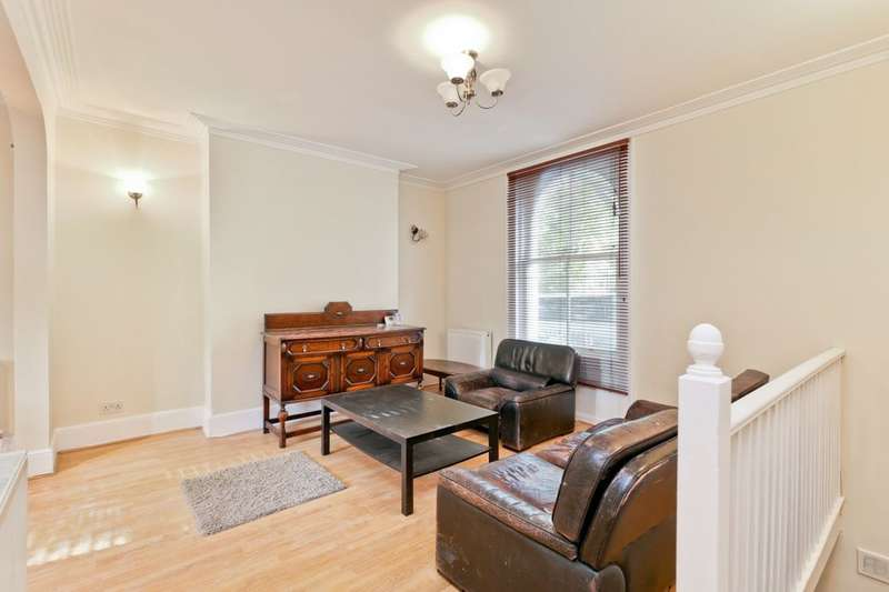 3 Bedrooms Flat for rent in Camberwell New Road, London, SE5