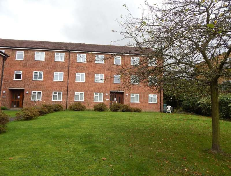 2 Bedrooms Flat for rent in Taylors Close, Sidcup, DA14