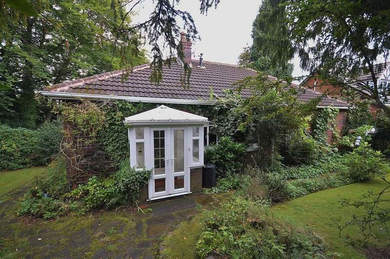 2 Bedrooms Detached Bungalow for sale in Winnington Road, Marple