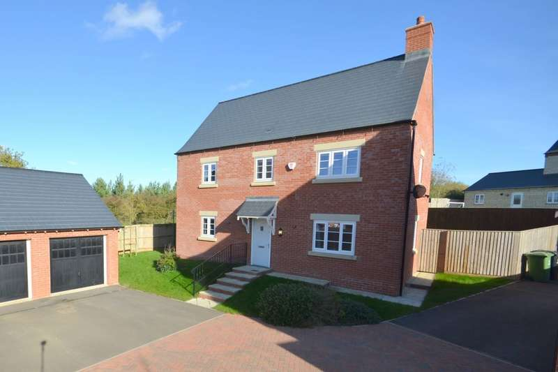 4 Bedrooms Detached House for sale in Cowslip Close, St Georges Fields, Wootton, Northampton, NN4