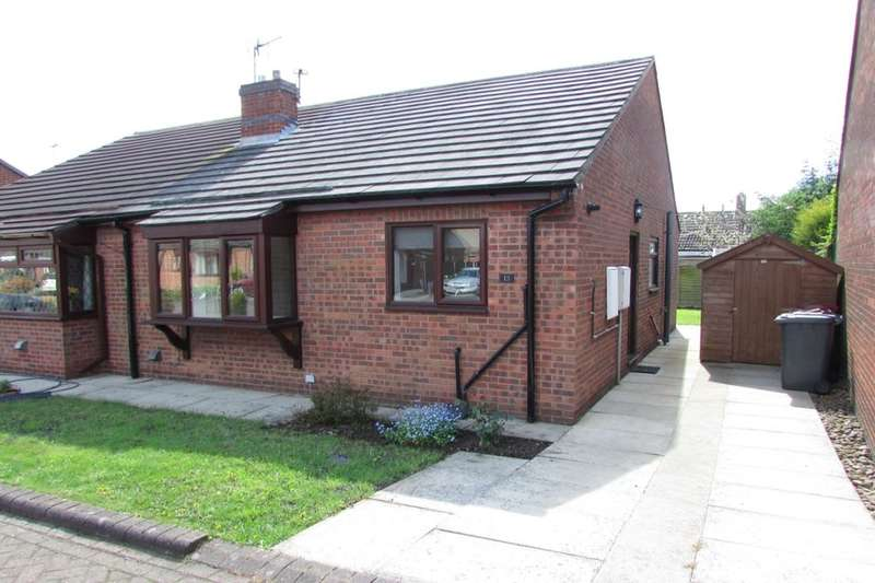 2 Bedrooms Semi Detached Bungalow for rent in Hall View, Messingham, Scunthorpe, DN17