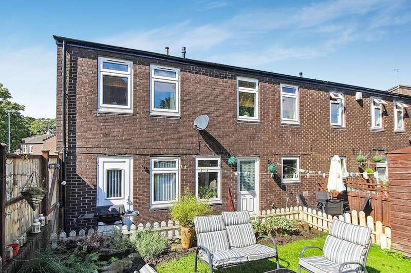 3 Bedrooms Semi Detached House for sale in Stocks Rise, Leeds, LS14