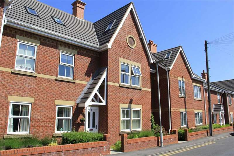 2 Bedrooms Apartment Flat for sale in The Mariners, Lytham