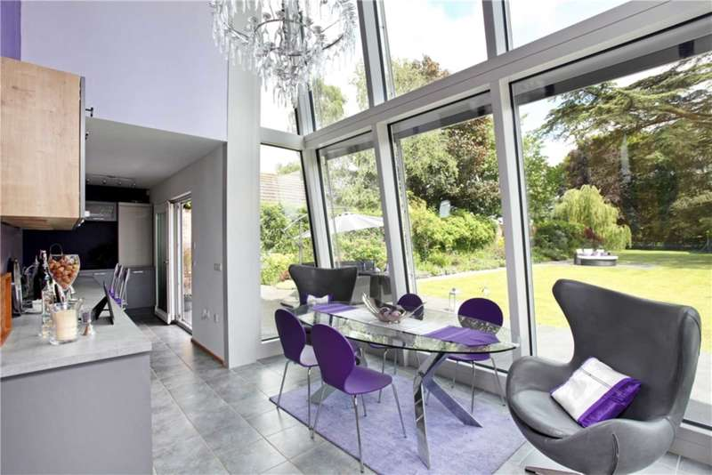 5 Bedrooms Detached House for sale in Stone