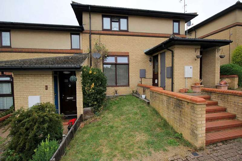 1 Bedroom Maisonette Flat for sale in 1 BED GROUND FLOOR MAISONETTE with EXTENSIVE communal PARKING in Briarcliff, HP1