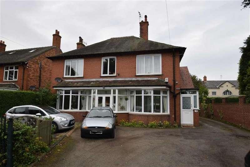 3 Bedrooms Flat for sale in Marton Road, Bridlington, East Yorkshire, YO16