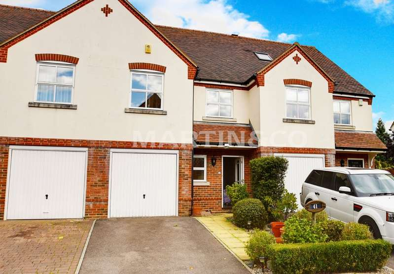 3 Bedrooms Terraced House for rent in Fallowfields, Loughton IG10