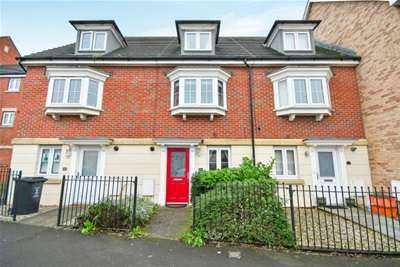 4 Bedrooms Terraced House for rent in NORTH SWINDON