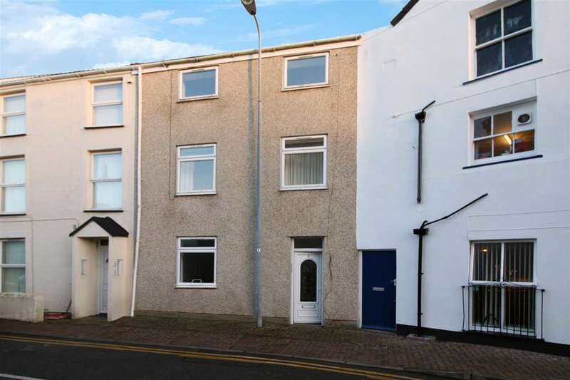 3 Bedrooms Apartment Flat for sale in Garreg Domas, Holyhead