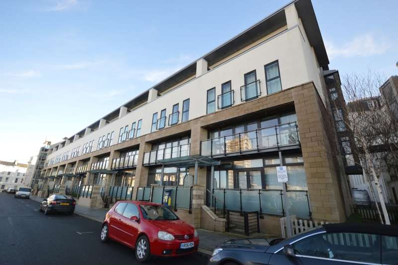 2 Bedrooms Flat for sale in Grand Hotel Road, The Hoe, Plymouth, PL1
