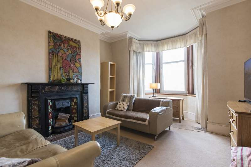 2 Bedrooms Flat for sale in University Road, Aberdeen, AB24 3DR
