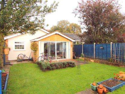 3 Bedrooms Bungalow for sale in Bradenham, Thetford, Norfolk