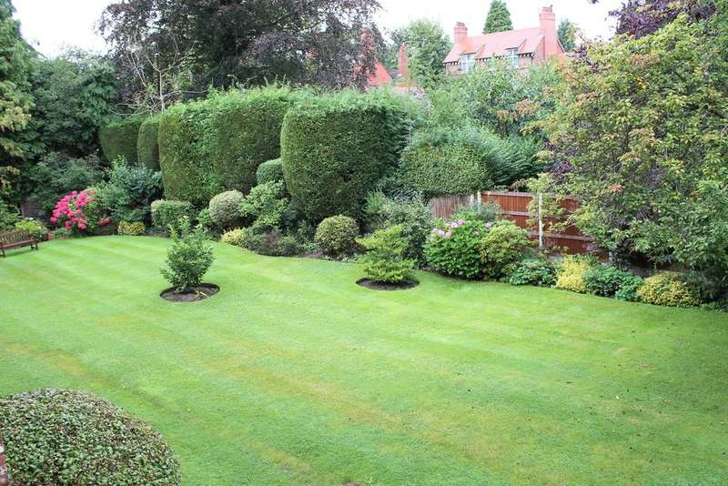 1 Bedroom Apartment Flat for sale in Grove Avenue, Wilmslow SK9