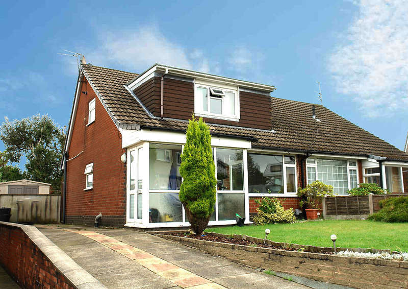 3 Bedrooms Semi Detached Bungalow for sale in Norwich Avenue, Chadderton