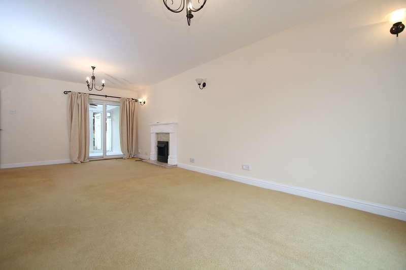 3 Bedrooms Semi Detached House for rent in Willow Close, Hagley, Stourbridge, DY9