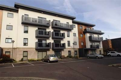 2 Bedrooms Flat for rent in Hall view, Chesterfield, S40