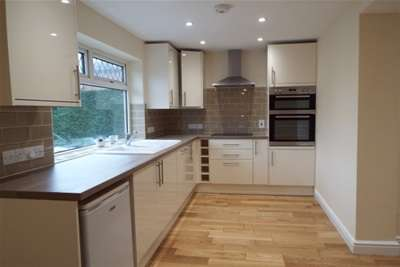 3 Bedrooms Semi Detached House for rent in Aston Clinton