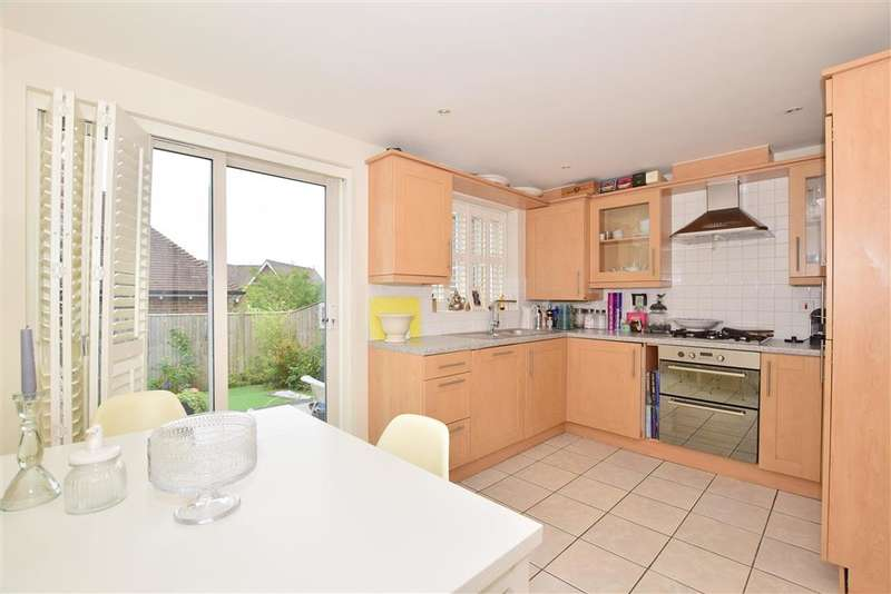 3 Bedrooms Terraced House for sale in Weavers Mead, , Haywards Heath, West Sussex