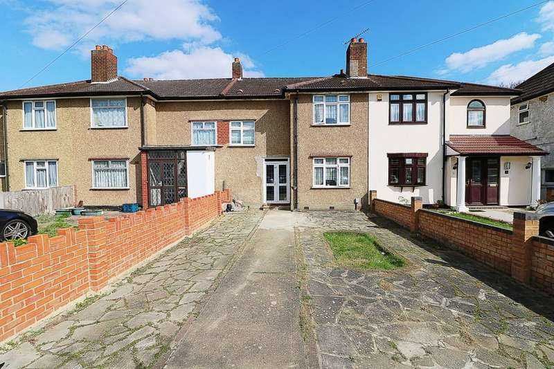 3 Bedrooms Terraced House for sale in Crown Road, Ilford, IG6