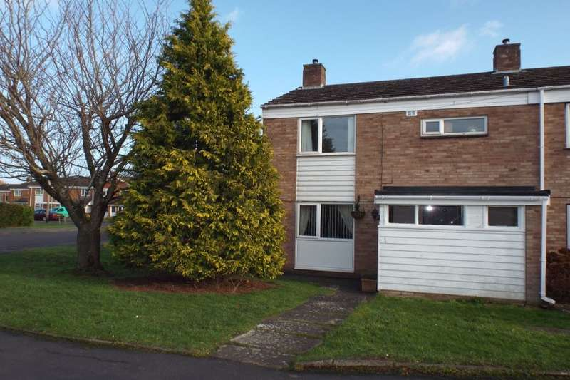 3 Bedrooms Semi Detached House for sale in Maycroft, Evesham, WR11
