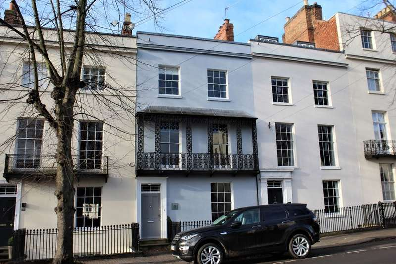 5 Bedrooms Terraced House for rent in Portland Street, Leamington Spa, CV32