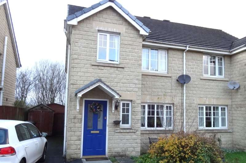 3 Bedrooms Semi Detached House for rent in St. Georges Close, Colne, BB8