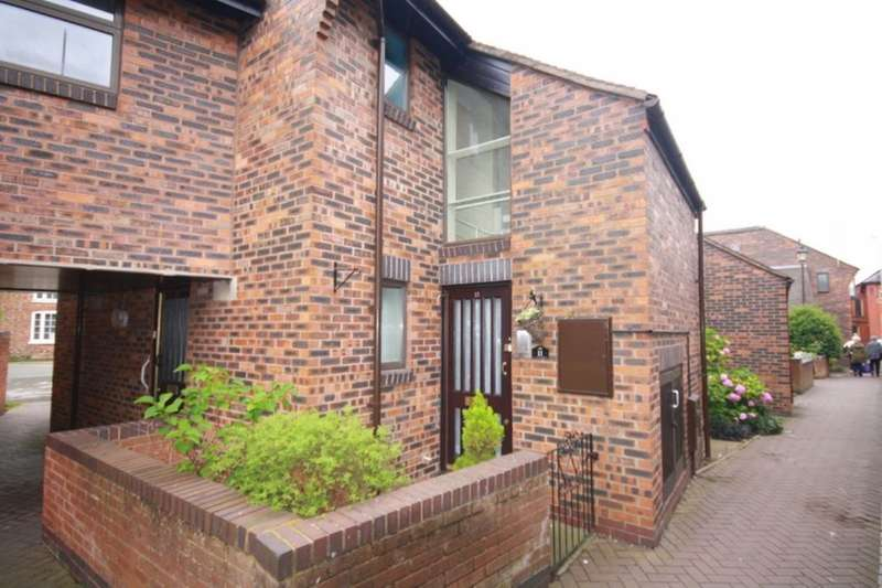 1 Bedroom Flat for sale in Wesley Close, Nantwich, CW5