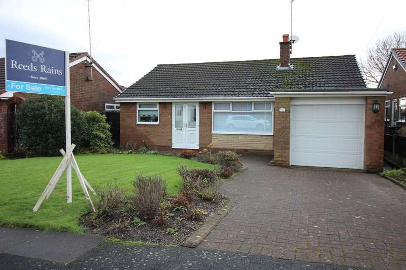 3 Bedrooms Detached Bungalow for sale in Longridge Drive, Bury, BL8