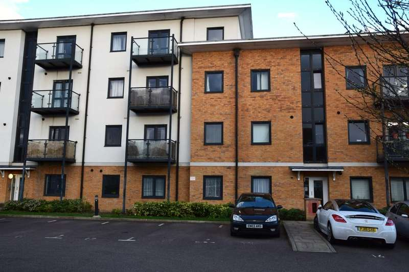 2 Bedrooms Flat for sale in Woodin Close, Dartford, DA1