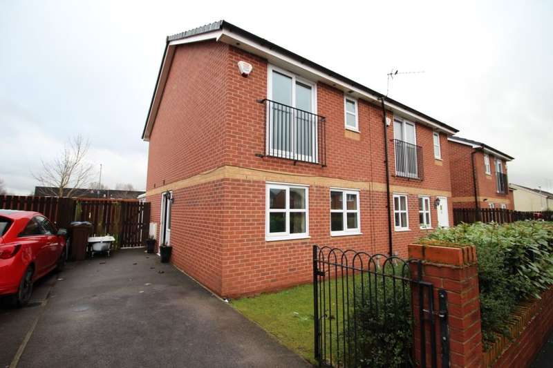 3 Bedrooms Terraced House for rent in Falls Green Avenue, Manchester, M40
